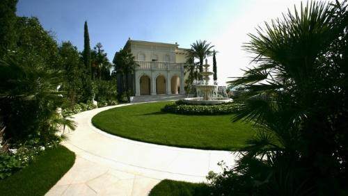 pantone villa
