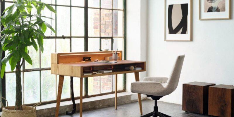 Scrivania wohnoffice di Team7 per una zona living perfetta per lo smart working